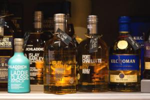 whisky ecosse, islay, bruichladich, kilchoman, port charlotte